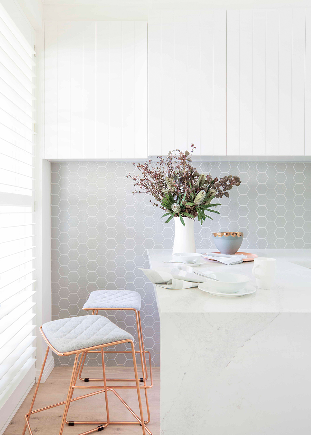 6 Ways Small Kitchen Hits Style Notes Home Beautiful