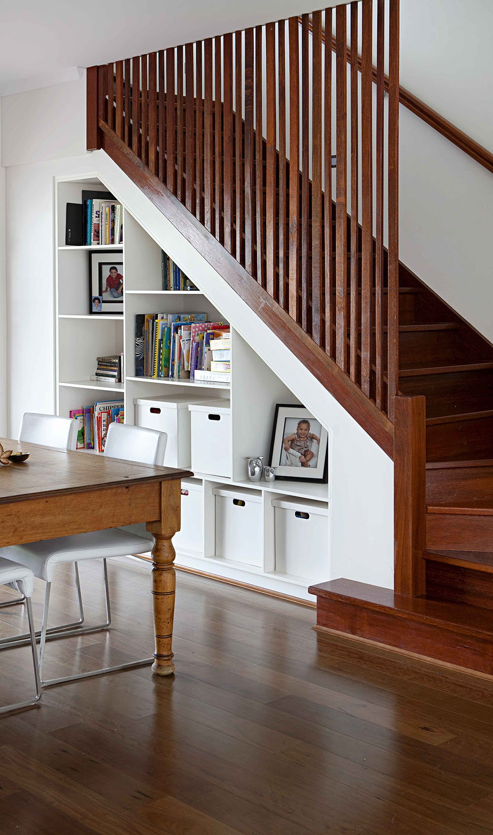 Picture of: 10 Steps To A Stunning Staircase Home Beautiful Magazine Australia