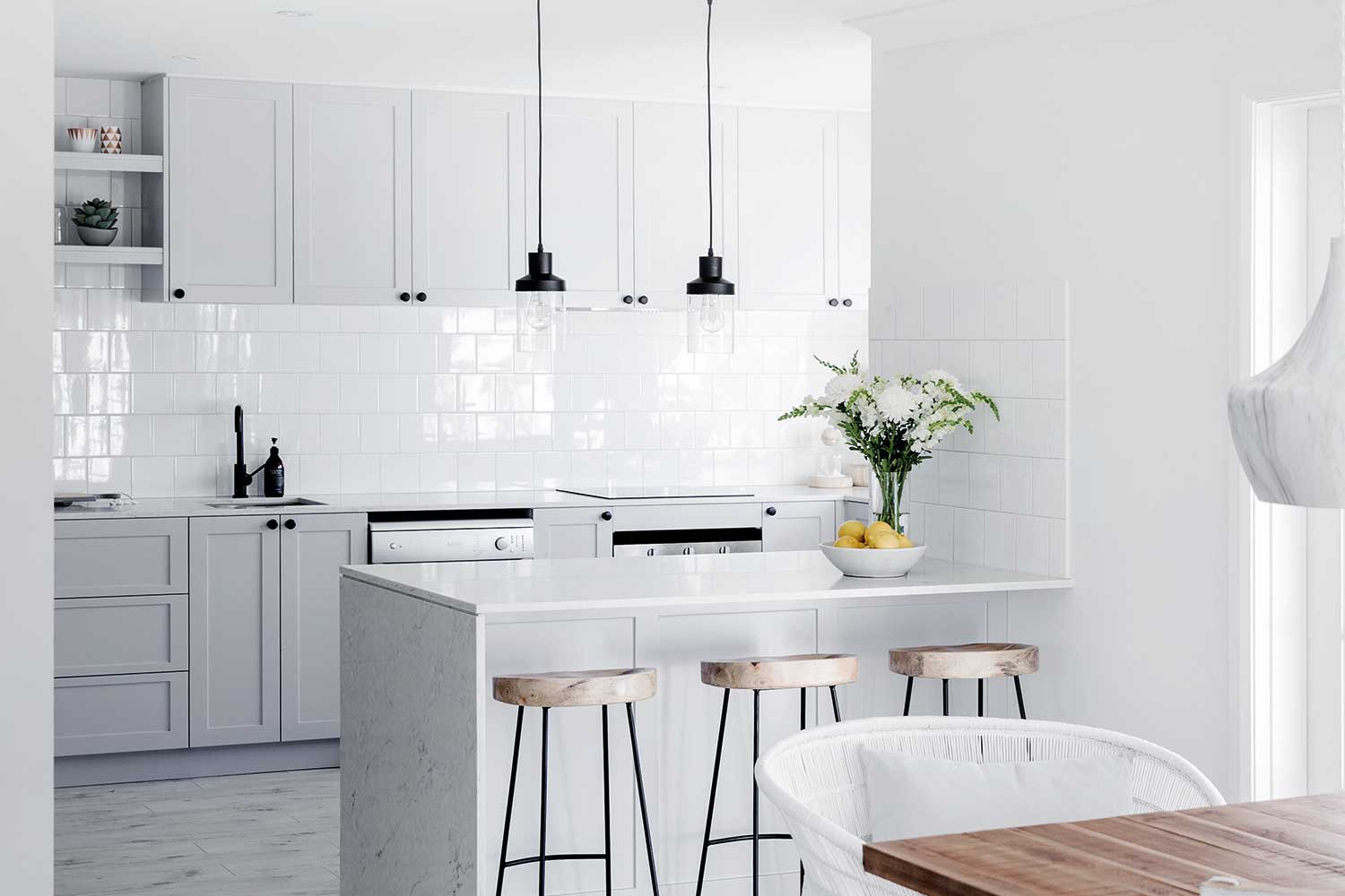 Get The Hamptons Look In Your Kitchen | Home Beautiful Magazine Australia
