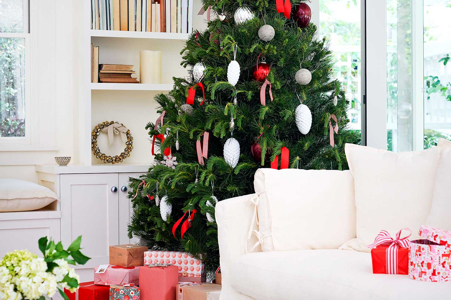 6 simple christmas decorating ideas home beautiful magazine australia