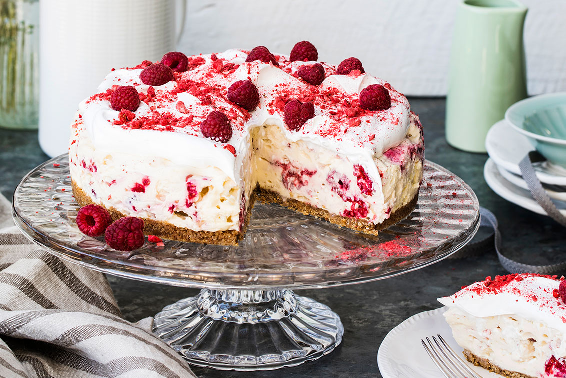 The Most Amazing Eton Mess Cheesecake Recipe Home