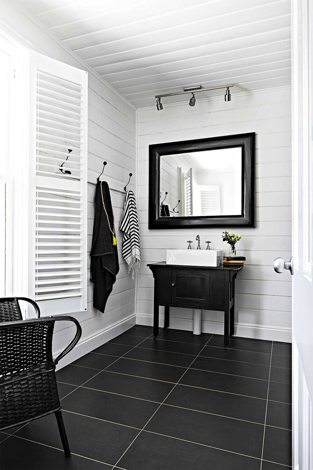 Choosing A Bathroom Mirror To Suit Your Bathroom Home Beautiful Magazine Australia