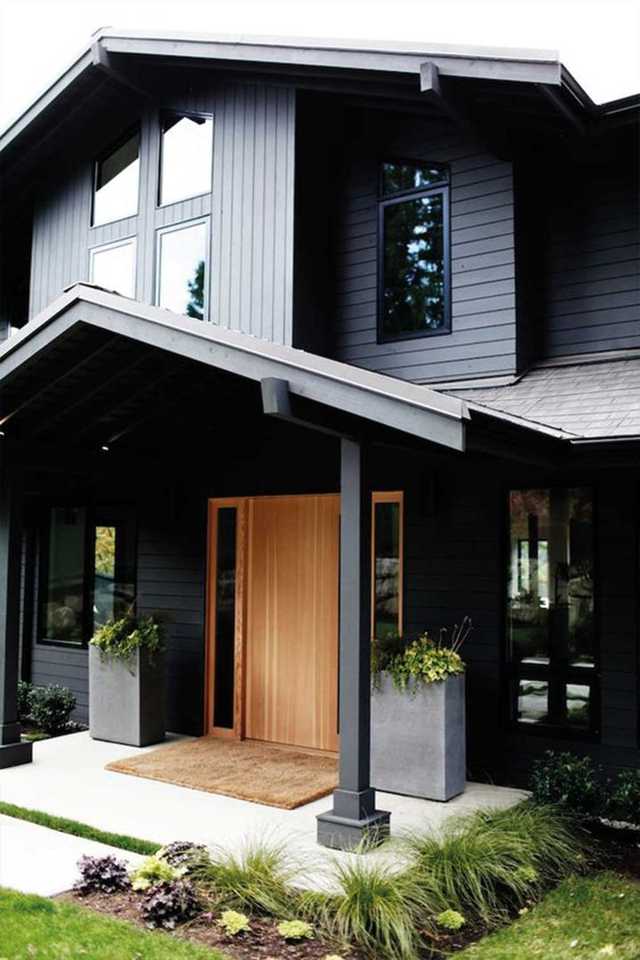 Painting Your House Black The Paint Colour That S Going Crazy On