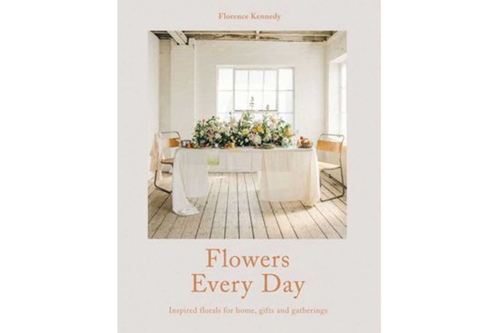 Flower Coffee Table.6 Books Flower Lovers Should Have On Their Coffee Table Home