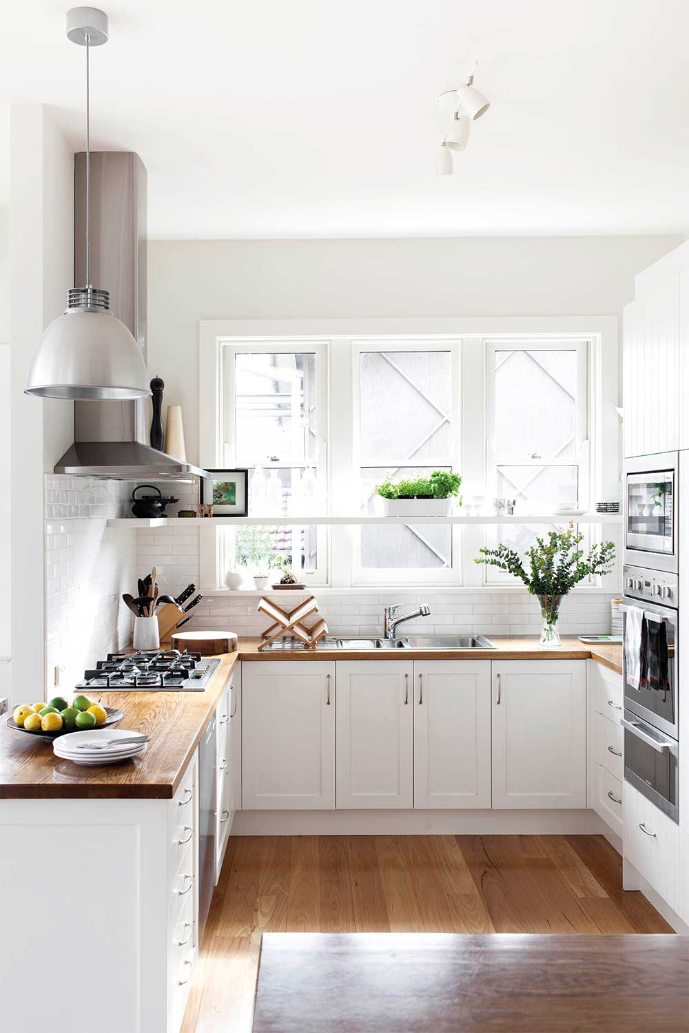 Best Kitchen Layouts Choosing According To The Room Condition