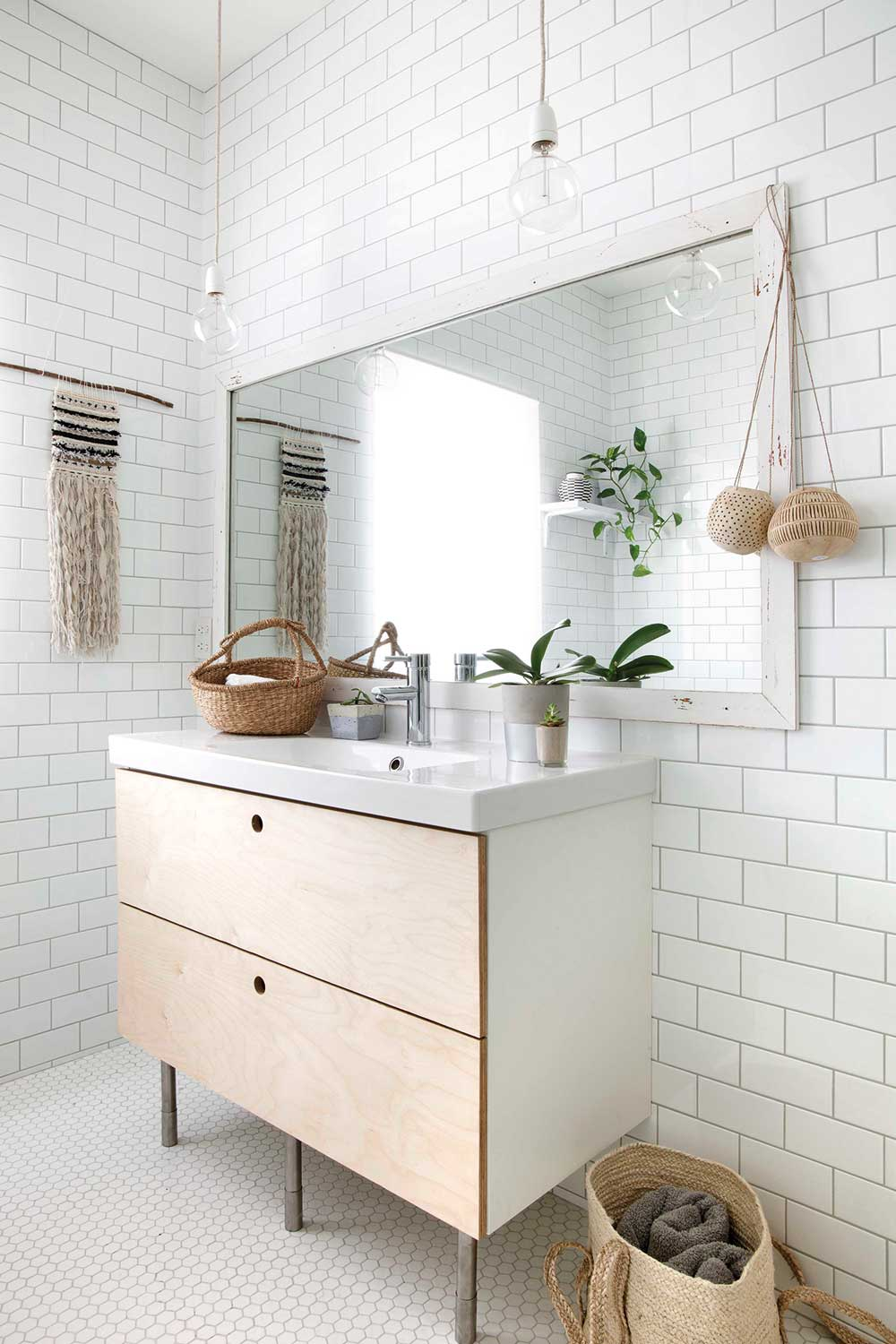 8 bathrooms that are big on style | Home Beautiful ...