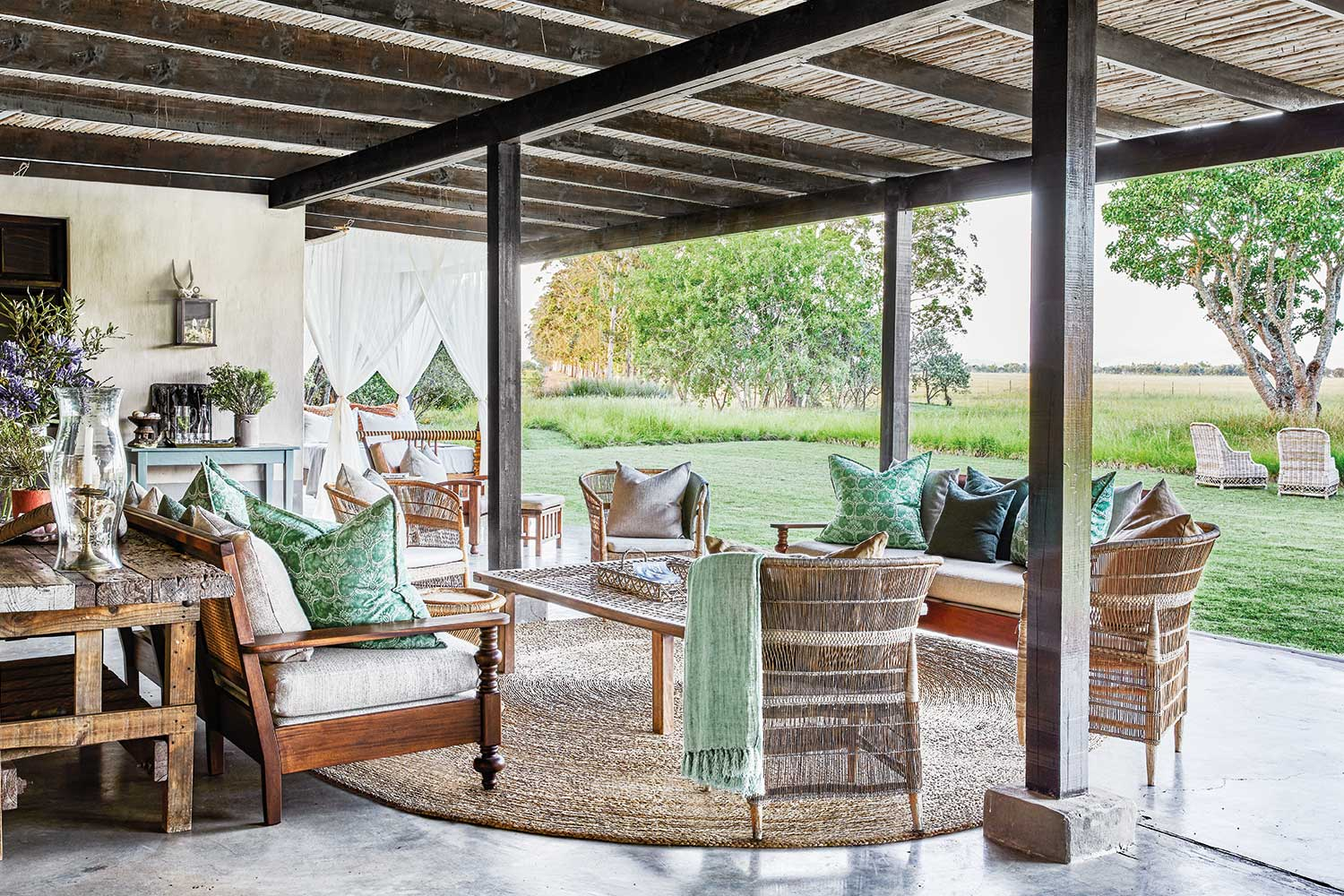 Fresh spring ideas to spruce up your outdoor living area ... on Outside Living Area id=94321