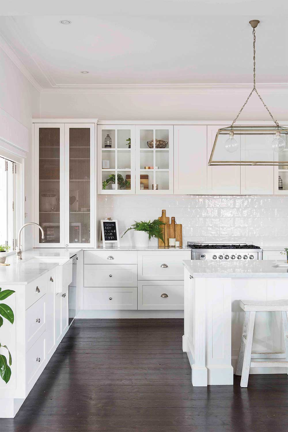 10 essential elements to creating Hamptons style interiors ...