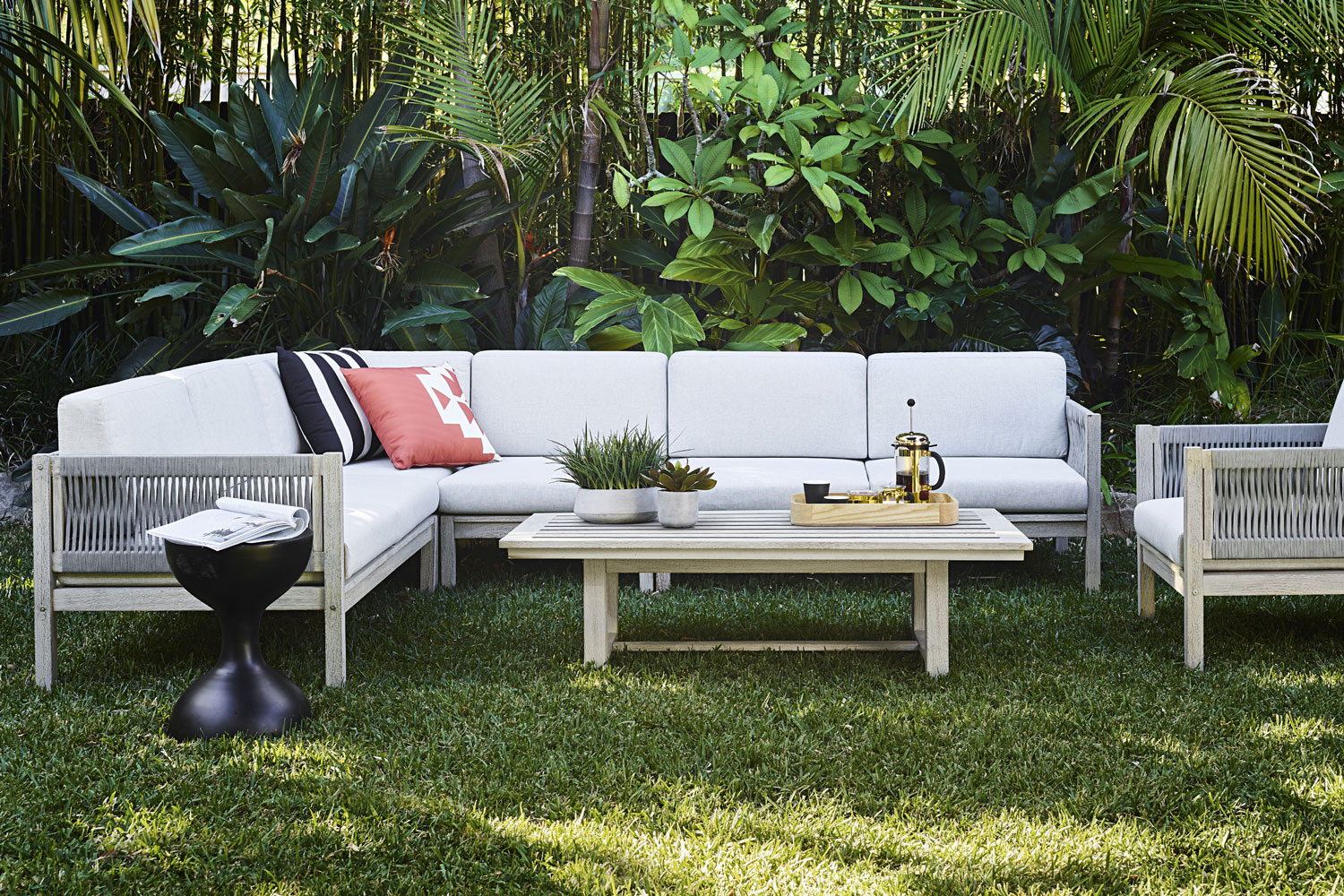 5 current trends that will make your outdoor area ideal for summer entertaining home beautiful magazine australia