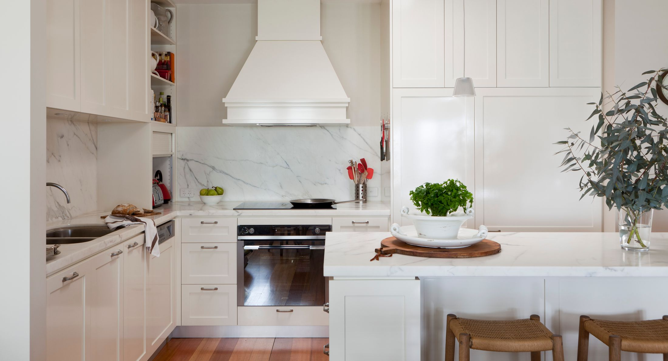 Uncover The Secrets To Hamptons Kitchen Style Home