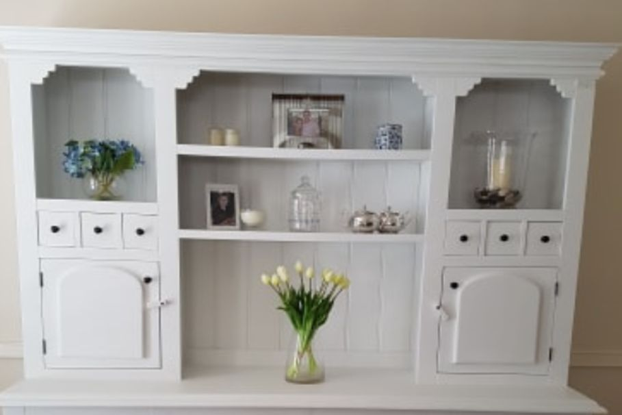A country-style cabinet gets an amazing Hamptons makeover