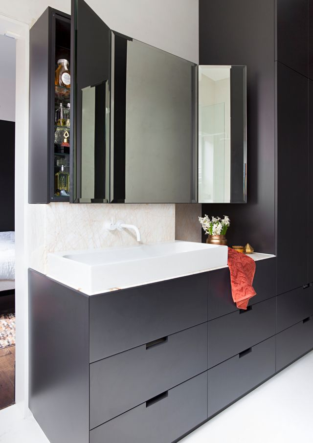 Double duty: An ensuite and laundry become one