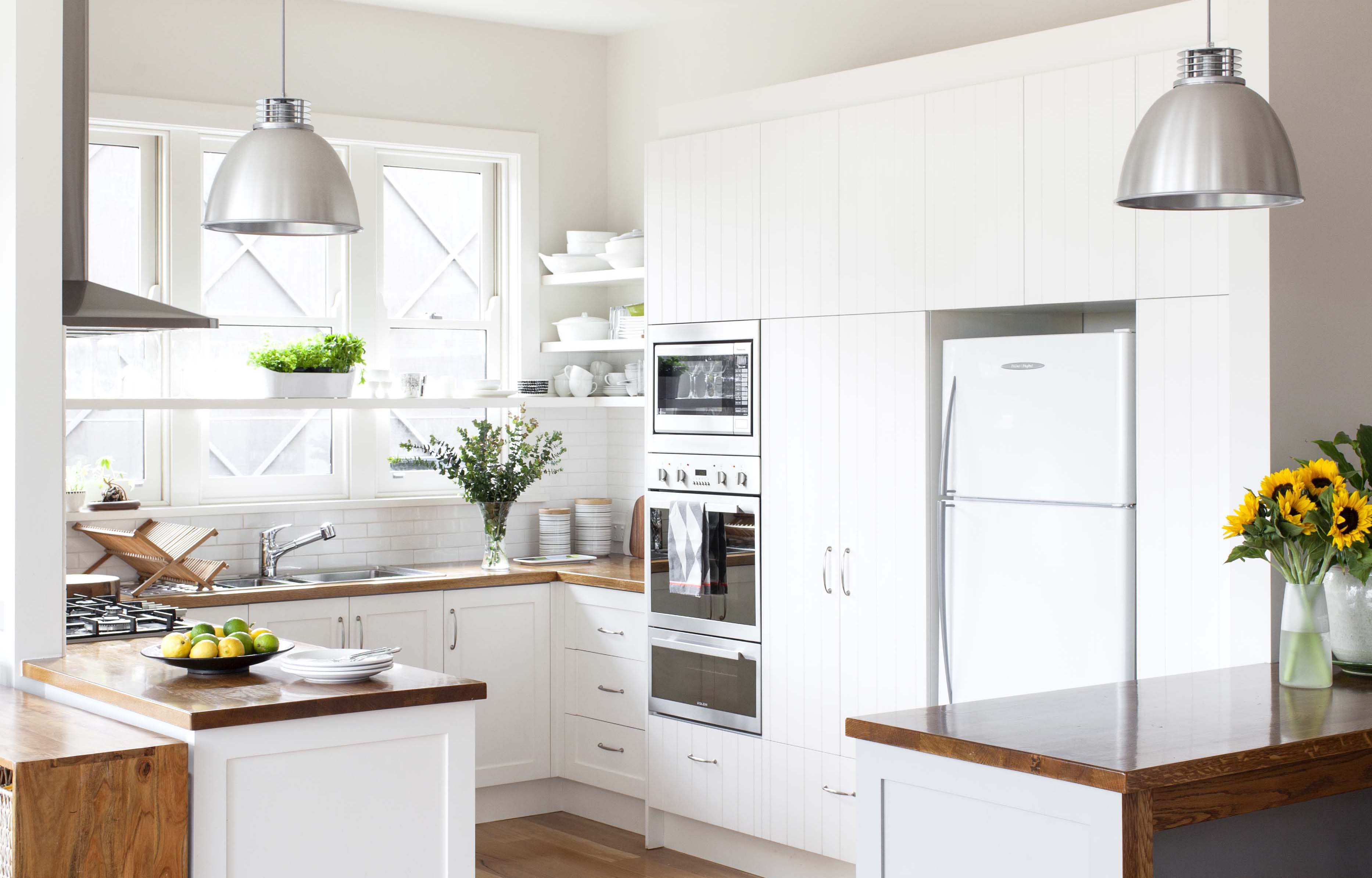 A Compact Practical And Stylish Kitchen Homes Bathroom